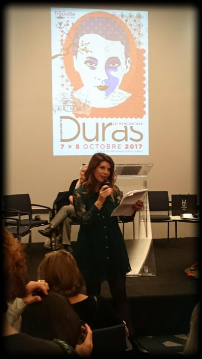 maud lectures trouville 1.jpg